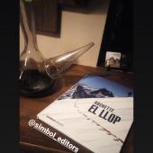 EL LLOP també als refugis de muntanya. Quin bon lloc per gaudir de la lectura i les il·lustracions d'aquesta novel·la gràfica. Gràcies @refugirasos #refugi #muntanya #llop #pastor #ovelles #novellagràfica